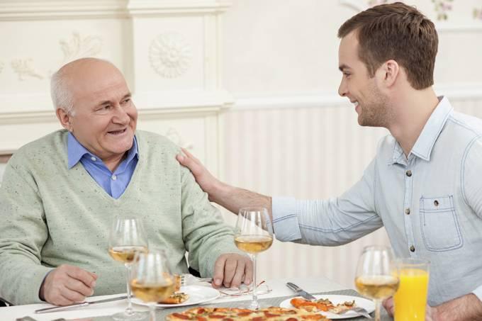 Quer saber se vai passar dos 70 anos? Olhe para seus pais