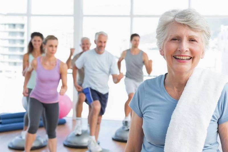 Por que a prática de exercícios é tão benéfica na terceira idade