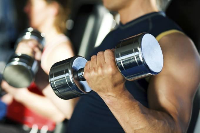 Musculação é melhor que aeróbico para o coração, aponta estudo