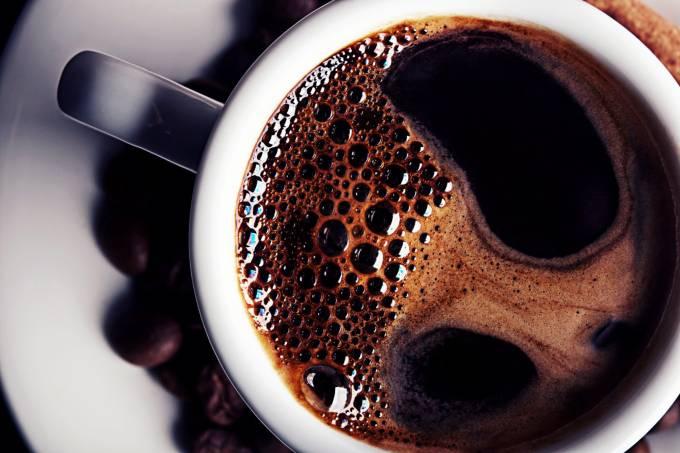 Café pode causar enxaqueca, revela estudo